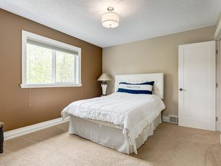 Photo 36: 56 ROCKYVALE Green NW in Calgary: Rocky Ridge Detached for sale : MLS®# C4300491