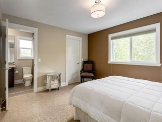 Photo 35: 56 ROCKYVALE Green NW in Calgary: Rocky Ridge Detached for sale : MLS®# C4300491
