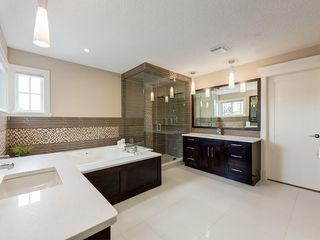 Photo 31: 56 ROCKYVALE Green NW in Calgary: Rocky Ridge Detached for sale : MLS®# C4300491
