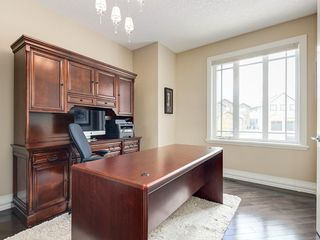 Photo 5: 56 ROCKYVALE Green NW in Calgary: Rocky Ridge Detached for sale : MLS®# C4300491