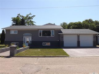 Photo 1: 1338 8th Street in Estevan: Central EV Residential for sale : MLS®# SK818275