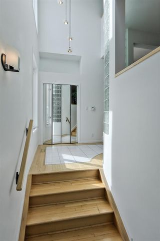 Photo 5: 9606 99A Street in Edmonton: Zone 15 House for sale : MLS®# E4207976