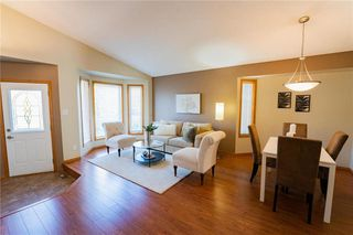 Photo 5: 70 Henry Dormer Drive in Winnipeg: Island Lakes Residential for sale (2J)  : MLS®# 202023677