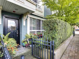 "Photo 2: 2774 ALMA Street in Vancouver: Kitsilano Townhouse for sale in ""Twenty On The Park"" (Vancouver West)  : MLS®# R2501470"