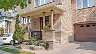Photo 2: 23 Russell Hill Rd in Markham: Berczy Freehold for sale : MLS®# N4925923