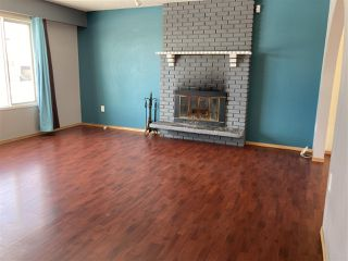 Photo 3: 13 MUNRO Crescent in Mackenzie: Mackenzie -Town House for sale (Mackenzie (Zone 69))  : MLS®# R2508963