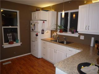 Photo 4: 35 Morier Avenue in WINNIPEG: St Vital Residential for sale (South East Winnipeg)  : MLS®# 1002412