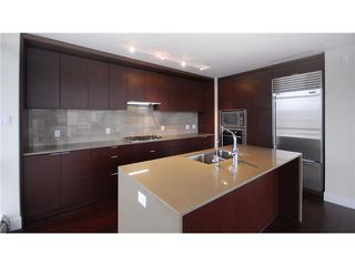 """Photo 4: 1904 158 W 13TH Street in North Vancouver: Central Lonsdale Condo for sale in """"VISTA PLACE"""" : MLS®# V823082"""