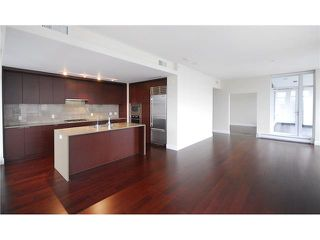 """Photo 3: 1904 158 W 13TH Street in North Vancouver: Central Lonsdale Condo for sale in """"VISTA PLACE"""" : MLS®# V823082"""