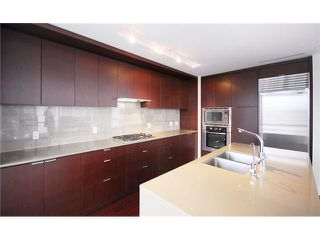 """Photo 5: 1904 158 W 13TH Street in North Vancouver: Central Lonsdale Condo for sale in """"VISTA PLACE"""" : MLS®# V823082"""