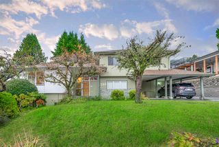 Photo 2: 788 TUDOR Avenue in North Vancouver: Forest Hills NV House for sale : MLS®# R2414818