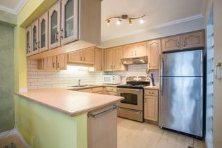 Photo 5: 296 W 16TH AVENUE in Vancouver: Cambie Townhouse for sale (Vancouver West)  : MLS®# R2341672