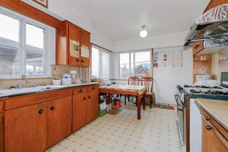 Photo 4: 2451 McGill Street in Vancouver: Hastings Sunrise House for sale (Vancouver East)  : MLS®# R2438285