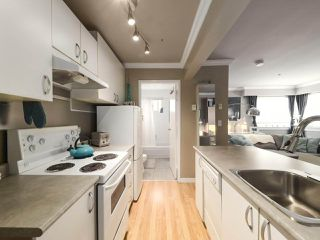 "Photo 11: 213 1940 BARCLAY Street in Vancouver: West End VW Condo for sale in ""Bourbon Court"" (Vancouver West)  : MLS®# R2473241"