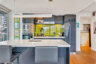 """Photo 10: 2306 777 RICHARDS Street in Vancouver: Downtown VW Condo for sale in """"TELUS GARDEN"""" (Vancouver West)  : MLS®# R2512538"""