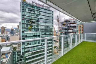 """Photo 15: 2306 777 RICHARDS Street in Vancouver: Downtown VW Condo for sale in """"TELUS GARDEN"""" (Vancouver West)  : MLS®# R2512538"""