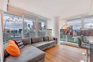 """Photo 9: 2306 777 RICHARDS Street in Vancouver: Downtown VW Condo for sale in """"TELUS GARDEN"""" (Vancouver West)  : MLS®# R2512538"""