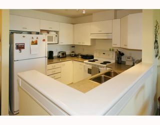 Photo 7: 429 1252 TOWN CENTRE Boulevard in Coquitlam: Canyon Springs Condo for sale : MLS®# V785879