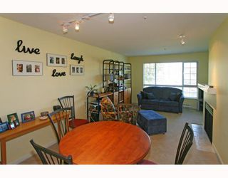 Photo 5: 429 1252 TOWN CENTRE Boulevard in Coquitlam: Canyon Springs Condo for sale : MLS®# V785879