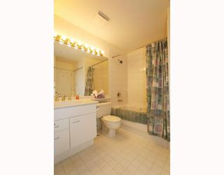 Photo 9: 429 1252 TOWN CENTRE Boulevard in Coquitlam: Canyon Springs Condo for sale : MLS®# V785879