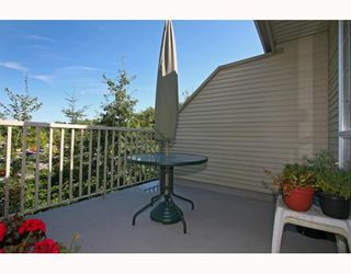 Photo 2: 429 1252 TOWN CENTRE Boulevard in Coquitlam: Canyon Springs Condo for sale : MLS®# V785879