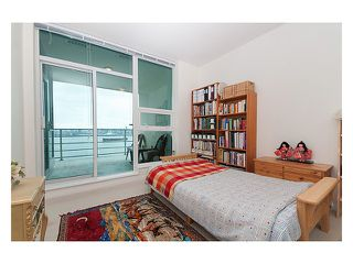 "Photo 8: 2102 138 E ESPLANADE Avenue in North Vancouver: Lower Lonsdale Condo for sale in ""PREMIERE AT THE PIER"" : MLS®# V840362"