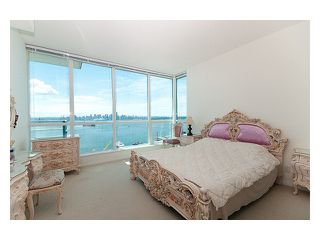 "Photo 6: 2102 138 E ESPLANADE Avenue in North Vancouver: Lower Lonsdale Condo for sale in ""PREMIERE AT THE PIER"" : MLS®# V840362"