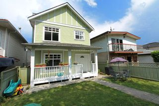 "Photo 2: 1053 E 15TH Avenue in Vancouver: Mount Pleasant VE House 1/2 Duplex for sale in ""MOUNT PLEASANT"" (Vancouver East)  : MLS®# V844128"