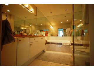 "Photo 6: 2701 1500 HORNBY Street in Vancouver: False Creek North Condo for sale in ""888 BEACH"" (Vancouver West)  : MLS®# V853880"