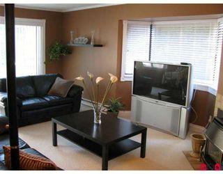"Photo 2: 204 1437 MARTIN Street in White_Rock: White Rock Condo for sale in ""Heatherstone"" (South Surrey White Rock)  : MLS®# F2824156"