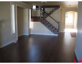 Photo 3: 7251 196A Avenue in Langley: Willoughby Heights House for sale : MLS®# F2910943