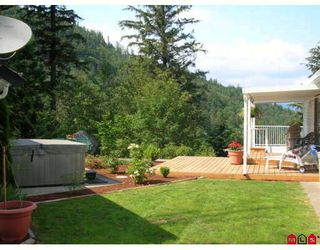 "Photo 2: 37251 BATT Road in Abbotsford: Sumas Mountain House for sale in ""SUMAS MOUNTAIN"" : MLS®# F2912838"