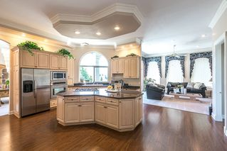 Photo 6: 13345 55A Avenue in Surrey: Panorama Ridge House for sale : MLS®# R2399534
