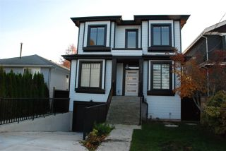 Photo 2: 2988 E 52ND Avenue in Vancouver: Killarney VE House for sale (Vancouver East)  : MLS®# R2417675