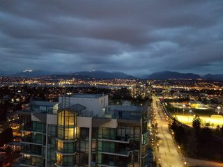 Photo 2: 3206 13398 104 Avenue, Whalley, Surrey, BC, V3T 1V6 in Surrey: Whalley Condo for sale : MLS®# R2253788