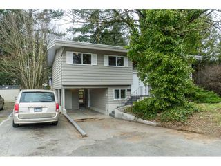 Photo 2: 2917 OLD CLAYBURN Road in Abbotsford: Abbotsford East House for sale : MLS®# R2445378