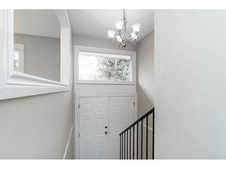 Photo 3: 2917 OLD CLAYBURN Road in Abbotsford: Abbotsford East House for sale : MLS®# R2445378