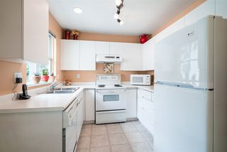 """Photo 2: 302 655 W 13TH Avenue in Vancouver: Fairview VW Condo for sale in """"Tiffany Manison"""" (Vancouver West)  : MLS®# R2458751"""