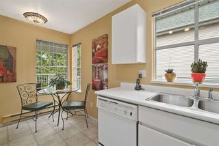 """Photo 3: 302 655 W 13TH Avenue in Vancouver: Fairview VW Condo for sale in """"Tiffany Manison"""" (Vancouver West)  : MLS®# R2458751"""