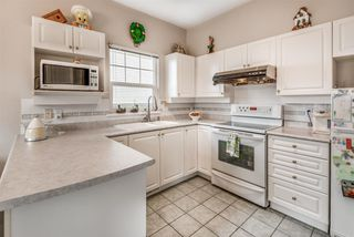 """Photo 6: 7 1751 PADDOCK Drive in Coquitlam: Westwood Plateau Townhouse for sale in """"Worthing Green"""" : MLS®# R2467524"""