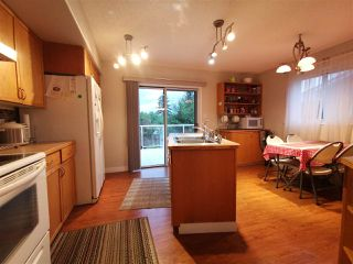 Photo 5: 9908 167 Street NW in Edmonton: Zone 22 Attached Home for sale : MLS®# E4217121