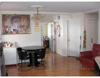 Photo 3: 3153 E 3RD Avenue in Vancouver: Renfrew VE House for sale (Vancouver East)  : MLS®# V787074