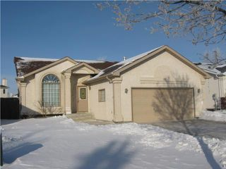 Photo 1: 82 Gull Wing Bay in WINNIPEG: Windsor Park / Southdale / Island Lakes Residential for sale (South East Winnipeg)  : MLS®# 1000369
