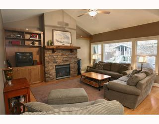 """Photo 2: 24330 MCCLURE Drive in Maple Ridge: Albion House for sale in """"MAPLE CREST"""" : MLS®# V811441"""
