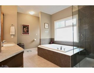 "Photo 6: 24330 MCCLURE Drive in Maple Ridge: Albion House for sale in ""MAPLE CREST"" : MLS®# V811441"