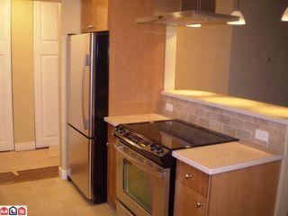 Photo 3: 301 1355 FIR Street: White Rock Condo for sale (South Surrey White Rock)  : MLS®# F1006037