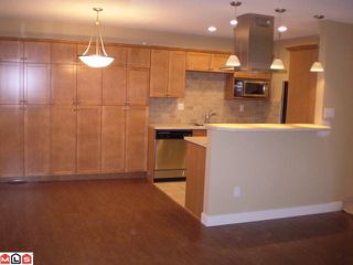 Photo 2: 301 1355 FIR Street: White Rock Condo for sale (South Surrey White Rock)  : MLS®# F1006037