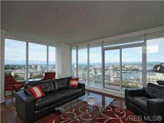 Photo 3: 1806 707 Courtney St in VICTORIA: Vi Downtown Condo for sale (Victoria)  : MLS®# 543641
