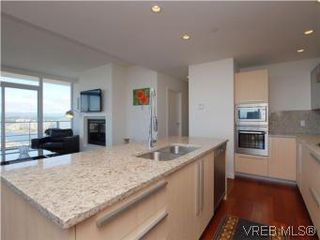 Photo 10: 1806 707 Courtney St in VICTORIA: Vi Downtown Condo for sale (Victoria)  : MLS®# 543641