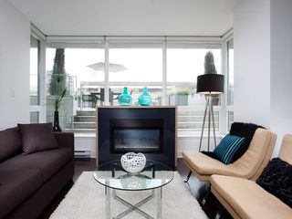 "Photo 3: 307 1675 W 8TH Avenue in Vancouver: Fairview VW Condo for sale in ""CAMERA"" (Vancouver West)  : MLS®# V842603"